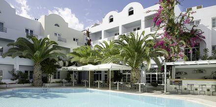 Allasalue, hotelli Afrodite. Kamari, Santorini, Kreikka.