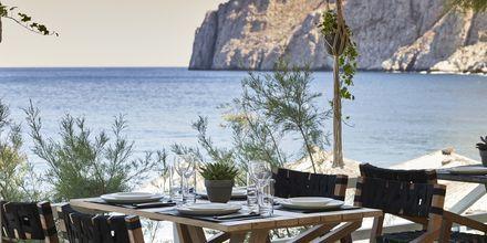 Ravintola Mesogaia, hotelli Afrodite. Kamari, Santorini.