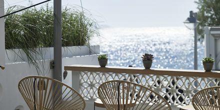 Mesogaia Bar, hotelli Afrodite. Kamari, Santorini.