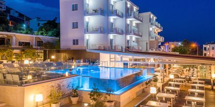 Allasalue. Hotelli Agimi & S, Saranda, Albania.