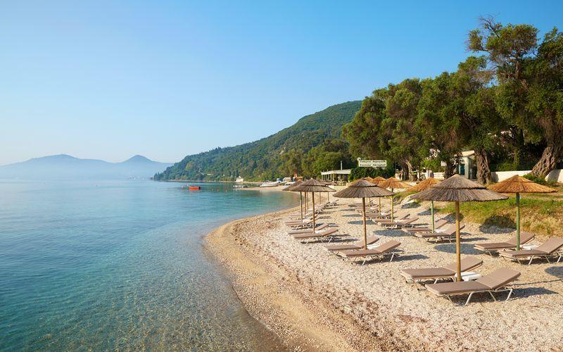 Ranta MarBella Corfun yhteydessä, Agios Ioannis Peristeron, Korfu.