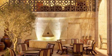 Baari, Ajman Saray, a Luxury Collection Resort, Ajman, Arabiemiraatit.