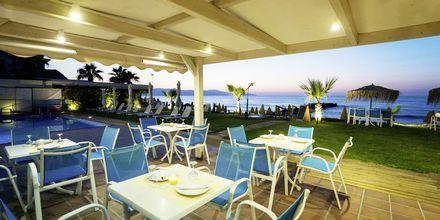Snack-baari, Hotelli Akoition, Agia Marina, Kreeta.