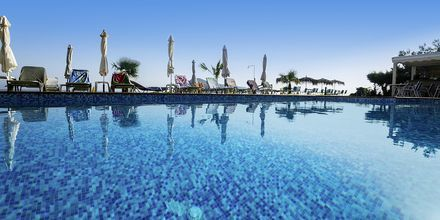 Uima-allas, Hotelli Akoition, Agia Marina, Kreeta.