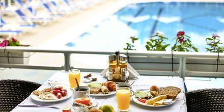 Aamiaispöytä, Hotelli Alea, Parga.