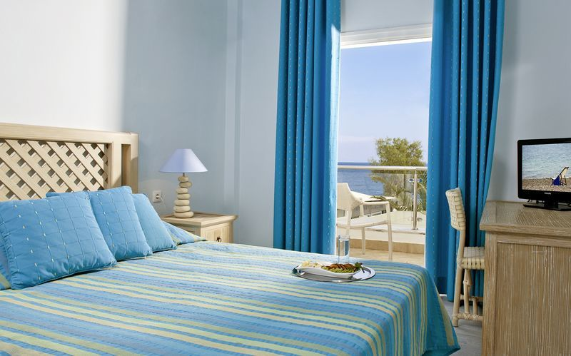Superior -huone. Hotelli Alesahne Beach, Santorini, Kreikka.