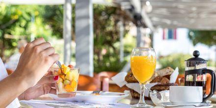 Aamiaistarjoilu. Hotelli Alinda, Leros, Kreikka.