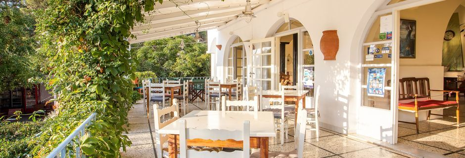 Ravintola. Hotelli Alinda, Leros, Kreikka.