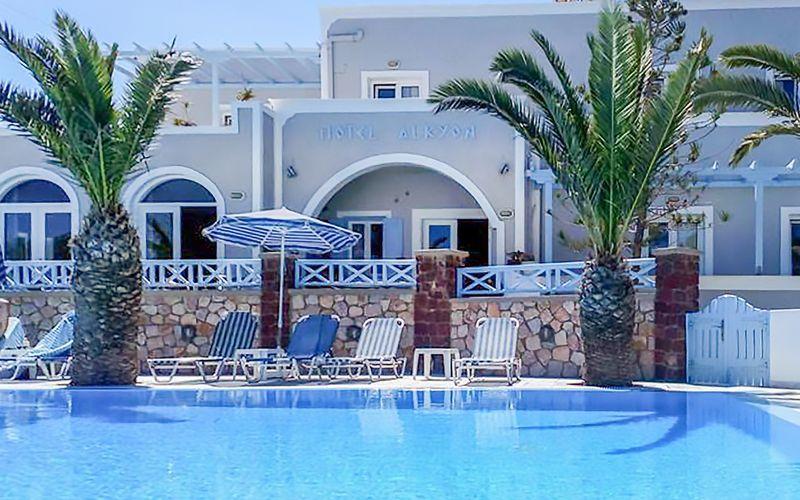Allas. Hotelli Alkyon, Kamari, Santorini.