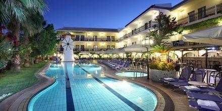 Allas Almyrida Beachissä, Hotelli Almyrida Resort, Kreeta.