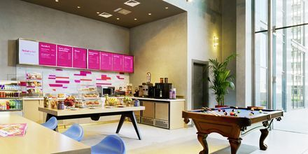 Re:fuel By Aloft (SM) café hotellilla Aloft Palm Jumeirah. Dubai, Arabiemiraatit.