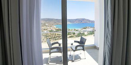 Uusi deluxe-huone, Hotelli Amopi Bay, Karpathos.