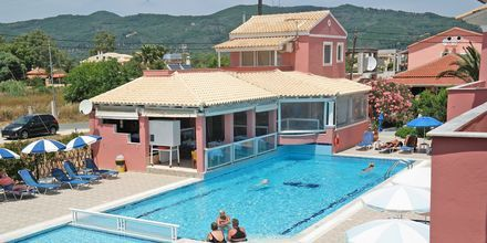 Allasalue, Hotelli Anastasia, Agios Georgios, Korfu, Kreikka.