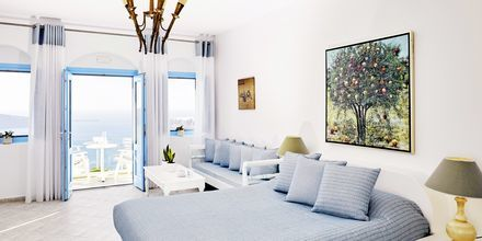 Superior-huone. Hotelli Andromeda Villas, Caldera, Santorini, Kreikka.