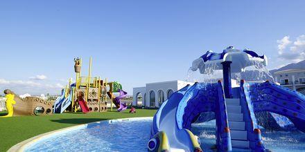 Lastenallas. Anemos Luxury Grand Resort, Georgiopolis, Kreeta.