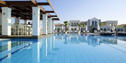Allasbaari. Anemos Luxury Grand Resort, Georgiopolis, Kreeta.