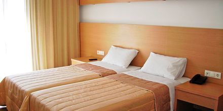 Kahden hengen huone, Hotelli Apolis, Karpathos, Kreikka.