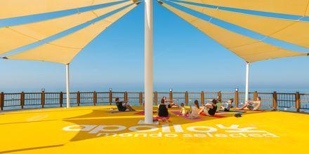 Nauti joogasta ja muista ryhmäliikuntatunneista, hotelli Gold Island. Alanya, Turkki.