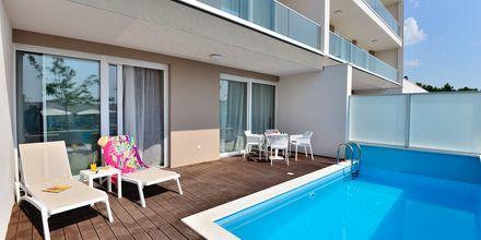 Kaksio omalla altaalla, hotelli Apollo Mondo Family Romana, Kroatia.
