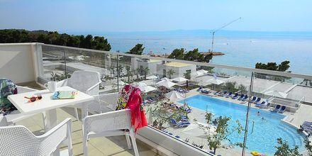 Maisema parvekkeelta, hotelli Apollo Mondo Family Romana, Kroatia.