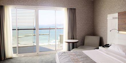 Deluxehuone, hotelli Gold Island. Alanya, Turkki.