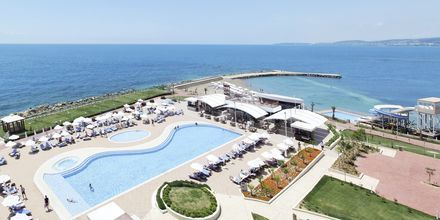 Allasalue, hotelli Gold Island. Alanya, Turkki.