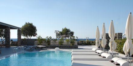 Allasalue, Hotelli Aqua Blue, Perissa, Santorini, Kreikka.