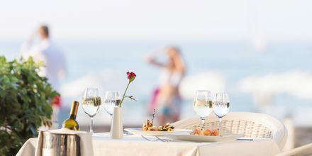 A la carte-ravintola. Hotelli Aquila Porto Rethymno, Kreeta, Kreikka.