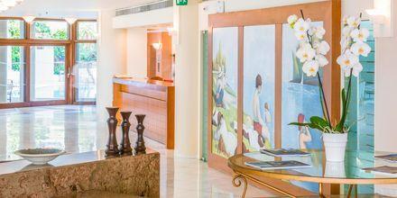 Vastaanotto. Hotelli Aquila Porto Rethymno, Kreeta, Kreikka.