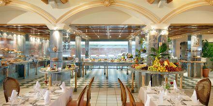 Buffetravintola, Hotelli Aquila Rithymna Beach, Kreeta, Kreikka.