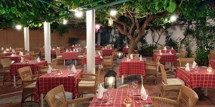 Taverna, Hotelli Aquila Rithymna Beach, Kreeta, Kreikka.