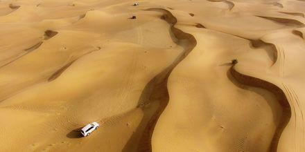 Jeeppisafari aavikolla. Dubai, Arabiemiraatit.