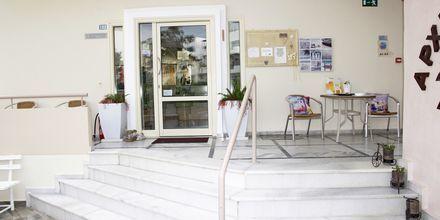 Vastaanotto, hotelli Archipelagos. Platanias, Kreeta, Kreikka.