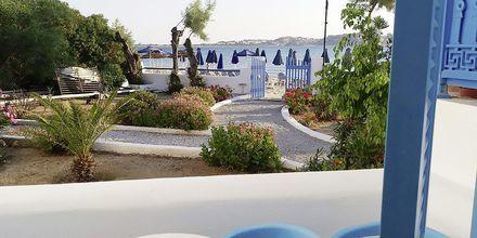 Yhden kahden hengen huoneen parveke. Hotelli Asteria, Naxoksen kaupunki, Kreikka.