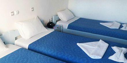 Kahden hengen huone. Hotelli Asteria, Naxoksen kaupunki, Kreikka.