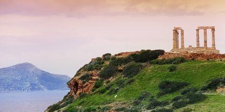 Poseidonin temppeli sijaitsee noin 70 km päässä Ateenasta.