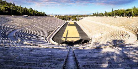 Panathinaikostadion Kreikan Ateenassa. Täällä pidettiin modernin ajan ensimmäiset olympiakilpailut.