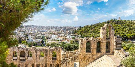 Ateenassa on lukemattomia antiikin raunioita ja rakennuksia.