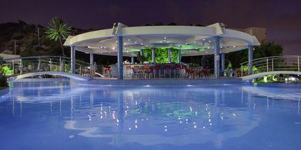 Allasbaari, Hotelli Atrium Platinum, Ixia, Rodos.
