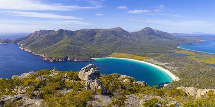 Wineglass Bay Freycinet National Parkissa, Tasmania.