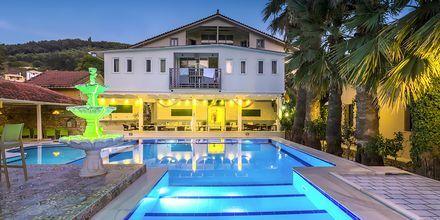 Allasalue. Hotelli Bacoli, Parga, Kreikka.