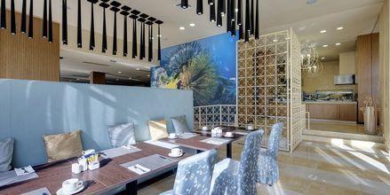 Buffetravintola, hotelli Barcelo Royal Beach.