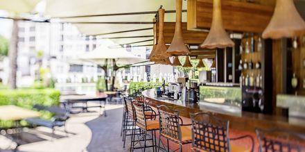 Allasbaari, hotelli Barcelo Royal Beach.