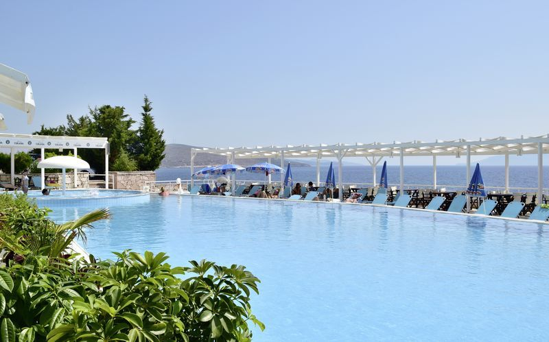 Allas. Hotelli Barracuda, Saranda, Albania.