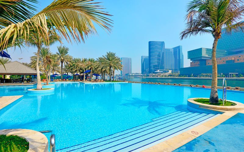 Allasalue, hotelli Beach Rotana Abu Dhabi. Arabiemiraatit.