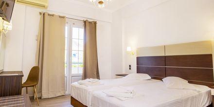 Remontoitu kahden hengen huone, Hotelli Bel Air, Lefkas, Kreikka.
