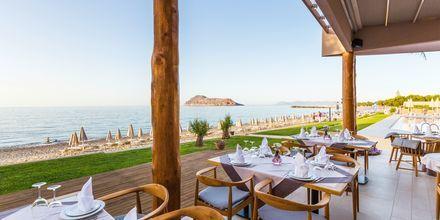 Näkymä merelle hotellin ravintolasta Basil' Honey.