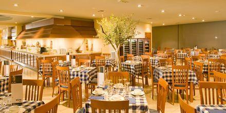 Kreikkalainen buffetravintola. Hotelli Blue Lagoon Resort, Kos.
