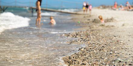 Hotellin läheinen ranta, hotelli Blue Lagoon Resort, Lambi, Kos.