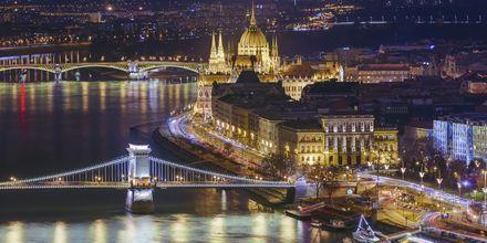 Budapest iltaisin on upea näky, ja kaupungissa on myös vilkas yöelämä!